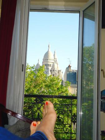 Avenir Hotel: Vista de um dos quartos contratado pela minha familia.