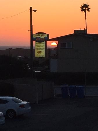 Days Inn San Simeon: From Balcony at sunset