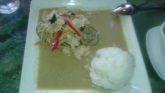 Thai Tada: Chicken Green Curry