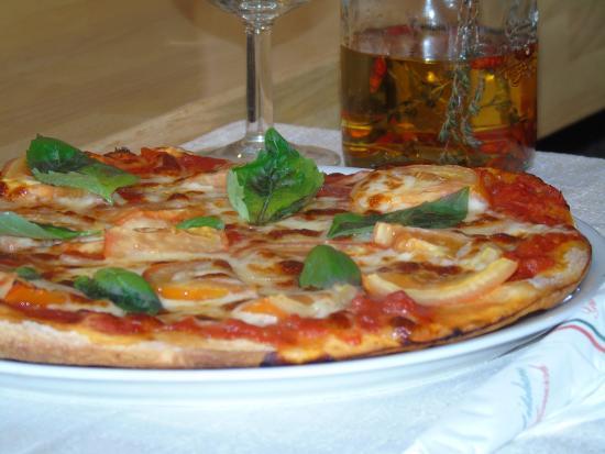 Pizza Caprse - Picture of Il Girasole, Strasbourg - TripAdvisor