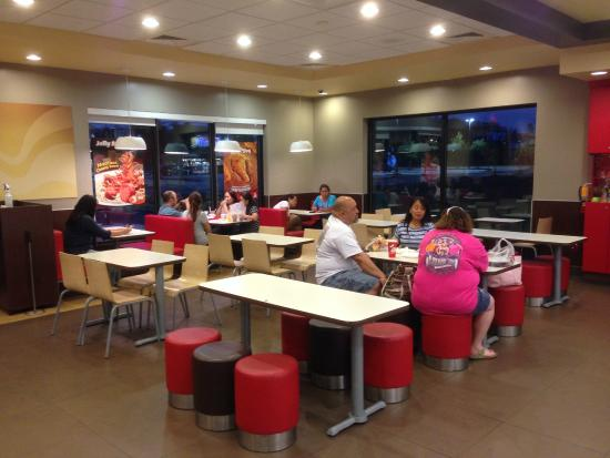 Jollibee Feeds Large Groups Of Families Or People