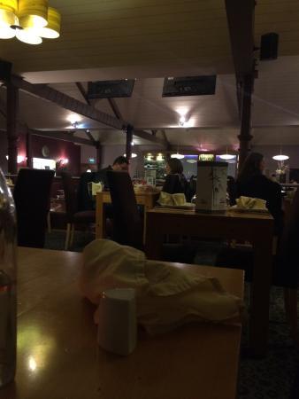 Yo Yo Bar & Restaurant: photo0.jpg