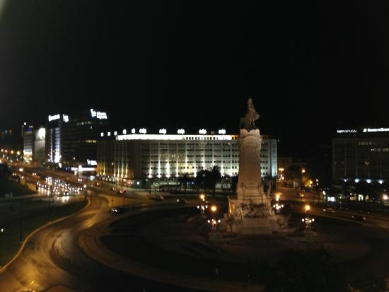 HF Fenix Lisboa: Vista do quarto