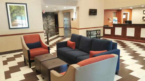Comfort Suites Bluffton: Lobby