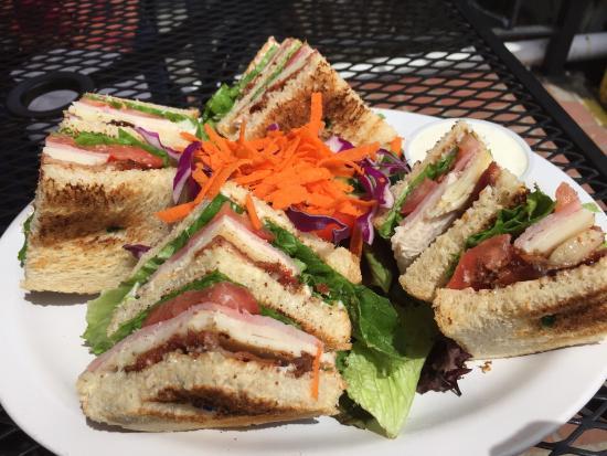 Avenue Cafe : Club Sandwich