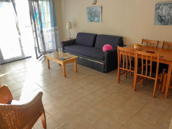Cinco Plazas: living room