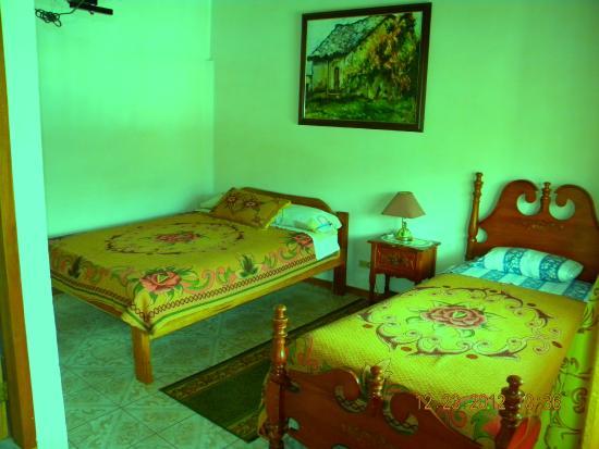 Hostal Jardin de los Pajaros: habitaciones