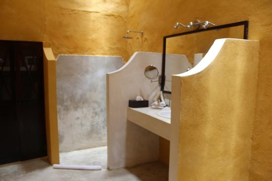 Hotel Hacienda VIP : Bathroom / Shower