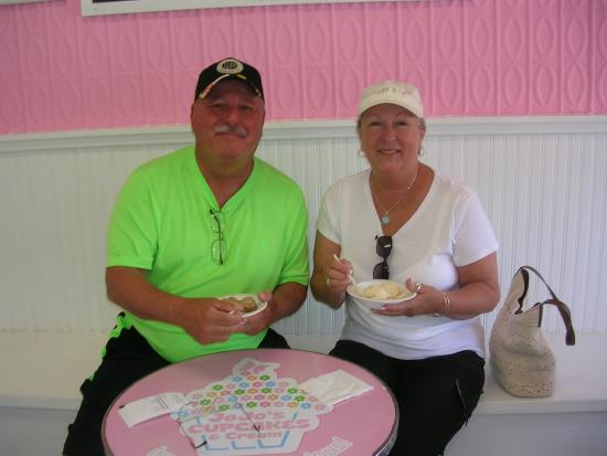 our table eating delicious kilby farm ice cream picture of jojo s rh tripadvisor ca