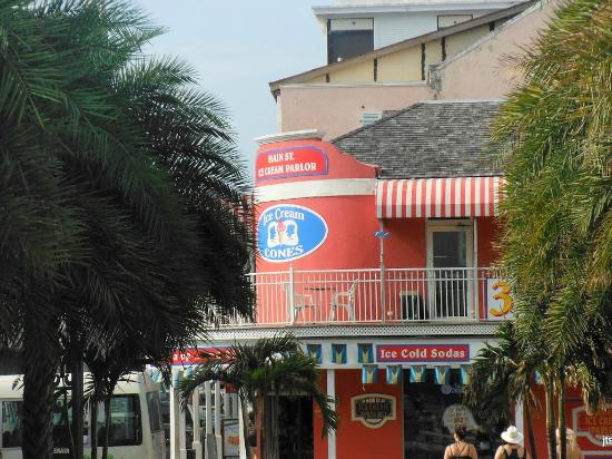 Main Street Ice Cream Parlor: View from across the street