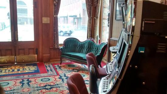 parlor and slot machines picture of bullock hotel deadwood rh tripadvisor com