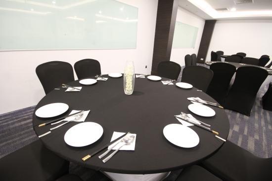 Badi'ah Hotel: Restaurant