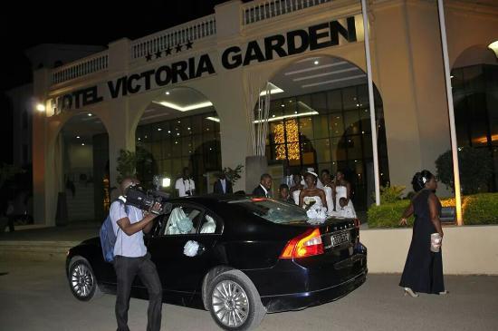 Hotel Ritz Victoria Garden : Dentro e fora do hotel, muito  lindo! Parabéns...