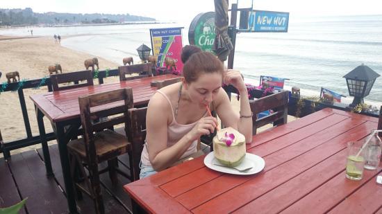 New Hut Cafe: кокос после НГ - лучше не бывает)
