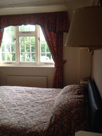 The Barford Inn: lovely clean double room