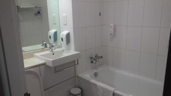 Caspia Hotels - Bengaluru: The Cute Bathroom