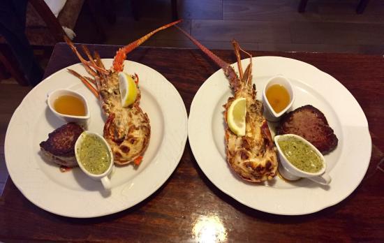 La Langosta : Tres platos estrella Steak and Lobster  Vieras gratinadas y Solomillo de ternera