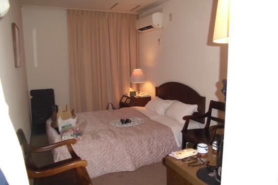 Imabari Station Hotel: ダブルベッドルーム