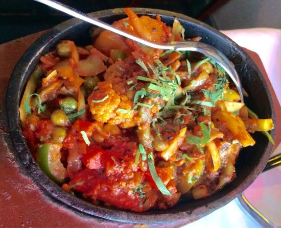 Bexhill Shiplu Tandoori: Vegetable Jalfrezi
