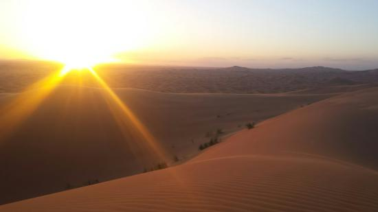 Dar Tafouyte : Sunset on top of the dunes