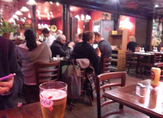 入りやすい雰囲気のお店 picture of restaurant le moderne