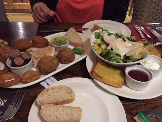 West Haddon, UK: The mixed starter for two went down a real treat