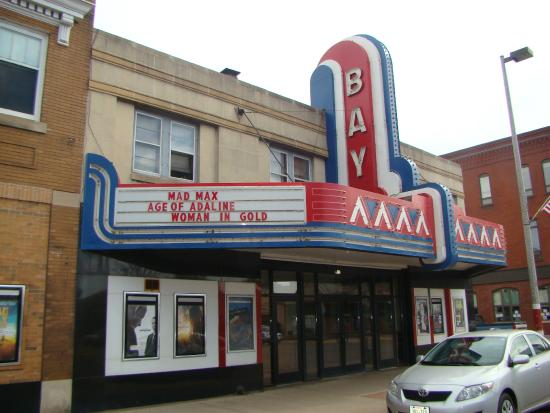 ‪Bay Theater‬