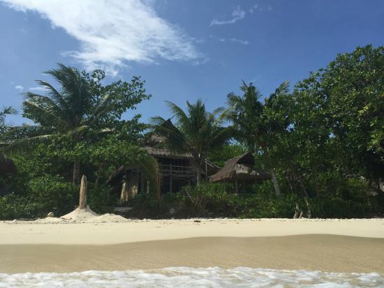 Nikoi Island: Beach Bungalow 12