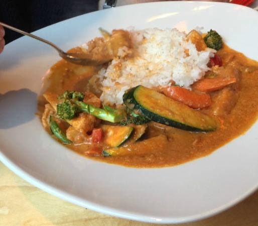 SOHO: grünes Curry mit Huhn