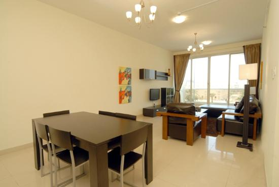 Fortune Classic Hotel Apartments: Living / Dinning Room