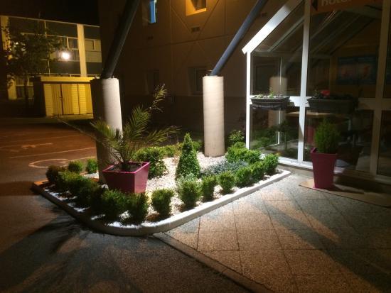 Entr e h tel photo de hotelf1 calais coquelles for Entree hotel