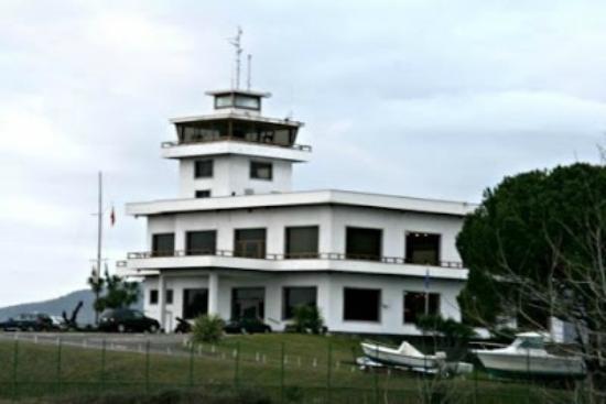 Real Club Nautico De Laredo : Edificio Social