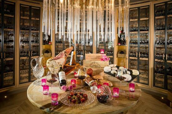 La salle à manger - Picture of La Villa Gallici Restaurant ...