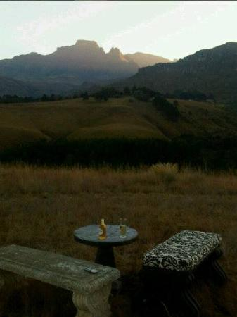 Cathkin Cottage Bed and Breakfast: Sundowners