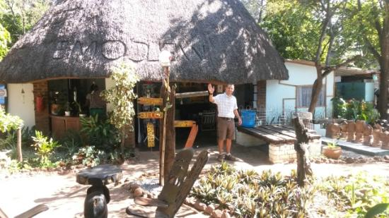 Victoria Falls Backpackers: Friendly welcome