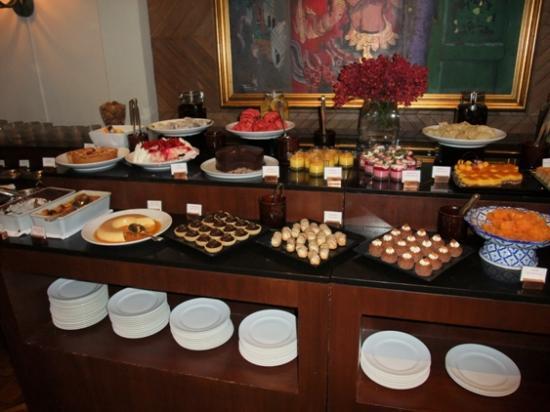 The Dining Room At Grand Hyatt Erawan Bangkok Saturday Lunch Buffet