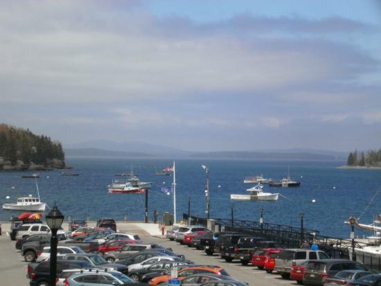Vista do porto, do Agamont Park