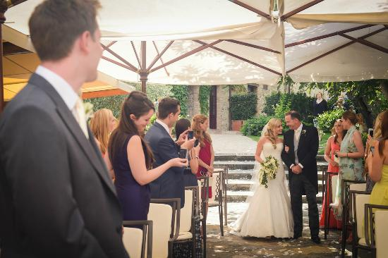 wedding at Hotel Le Fontanelle 5 hotel in Tuscany near Siena and Florence