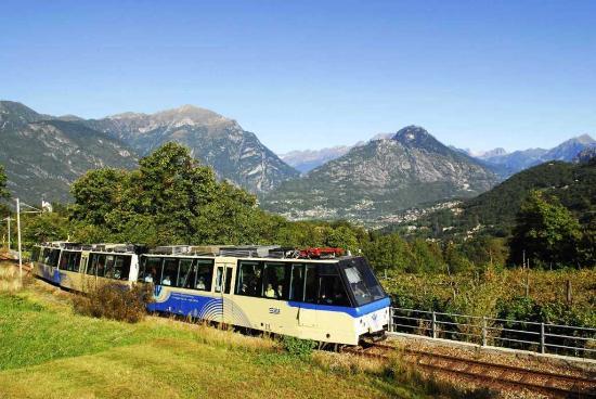 Domodossola, Italia: La Ferrovia nel tratto italiano sulle colline ossolane