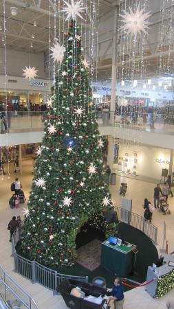 Decoraci n navide a en el centro comercial fotograf a de The outlet collection jersey gardens