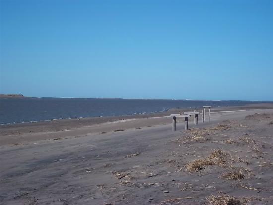 Balneario El Condor, Argentina: Desembocadura del Río Negro en el mar