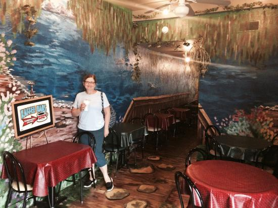 Frankenmuth Kaffee Haus: Well this is a great lunch stop for many sandwiches and panini. It has a cool painted hall from
