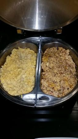 Fairfield Inn Los Cabos: two kinds of scrambled eggs