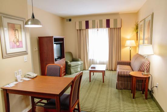 Homewood Suites by Hilton College Station: Living Area