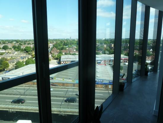 Aparthotel Adagio London Brentford: View from 9th floor enclosed balcony...