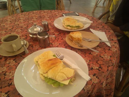 Lila Cafe: Breakfast