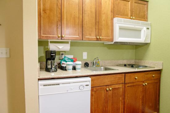 Homewood Suites by Hilton College Station: Fully Equipped Kitchen