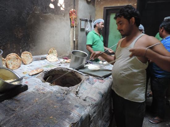 Kulcha Land: Amritsari kulcha fresh from the tandoor