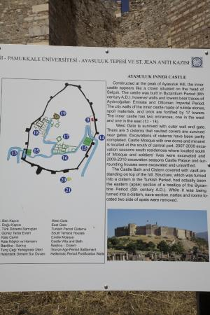 Map of Castle: fotografía de Ayasoluk Castle, Selcuk ...