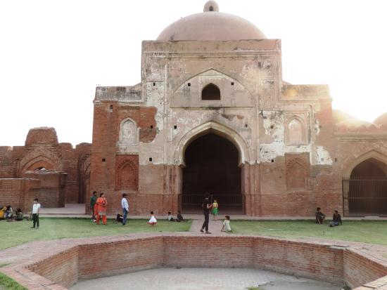 Panipat, India: Kabuli bagh mosque